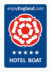 Five star hotel boat Lady Teal