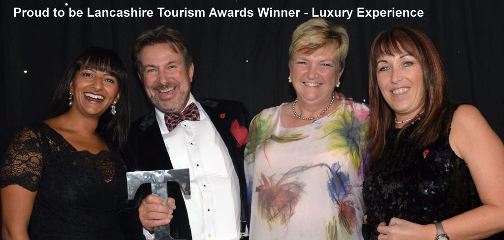 Ranvir Singh presents Luxury Tourism Award